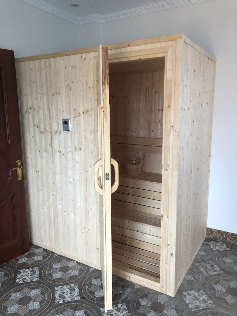 Omega hoàn thiện, bàn giao công trình phòng xông hơi khô cho anh Thắng ở Từ Sơn, Bắc Ninh